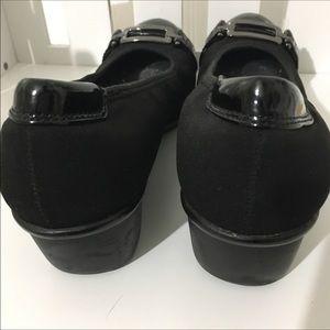 Anne Klein Wedge Heels w/h Patent Toe Trim Size9.5